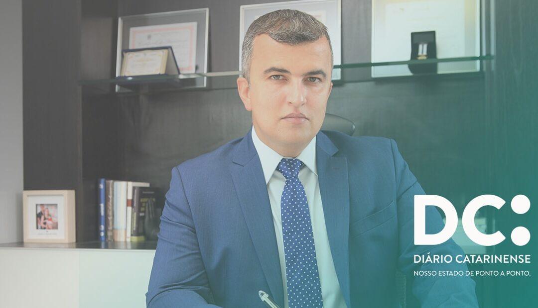 DR. RENATO ASSIS CONCEDE ENTREVISTA AO DIÁRIO CATARINENSE
