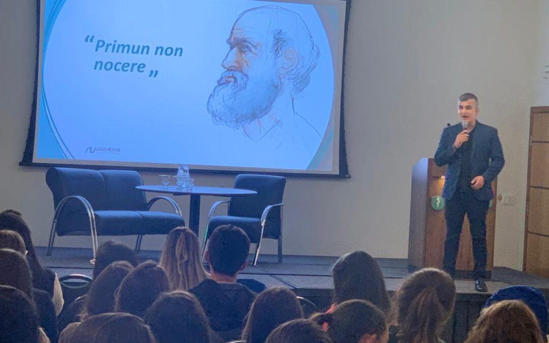 I SIMPÓSIO DE ONCOLOGIA PEDIÁTRICA TEM PARTICIPAÇÃO DO DR. RENATO ASSIS